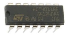 4011 NAND gate chip